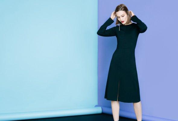 BACK TO BASICS – LAVLAN выпустил капсульную коллекцию маленьких черных платьев - Фото №1