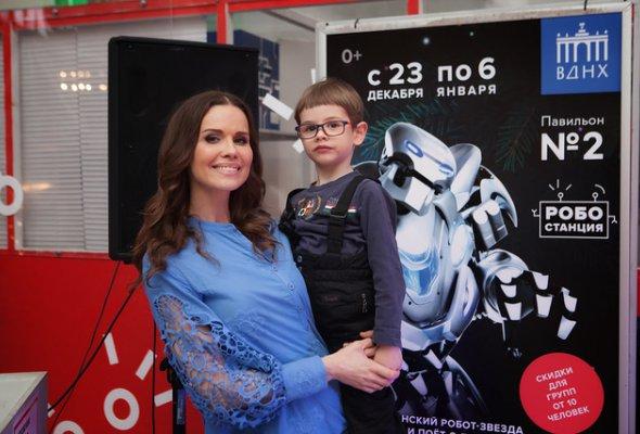 Звезды с детьми на закрытом показе «Титан-шоу» - Фото №7