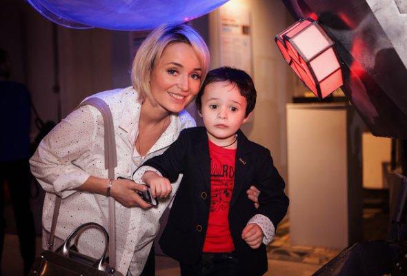 Звезды с детьми на закрытом показе «Титан-шоу» - Фото №1