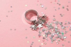 Подарки: Украшения и часы за разумные деньги