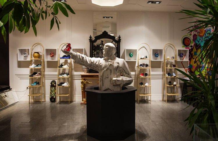 Магазин кроссовок The Misia переедет в ТЦ «Атриум»