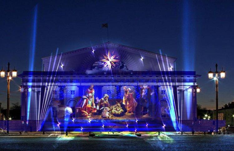 В Рождество на Стрелке Васильевского острова покажут световое шоу
