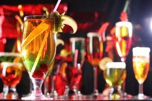 Как выбирать напитки к праздничному столу