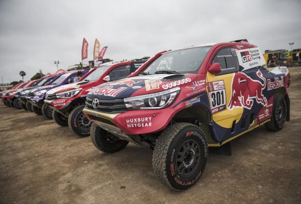 """Toyota на """"Дакаре-2018"""": одна великая гонка и шесть главных достижений - Фото №1"""