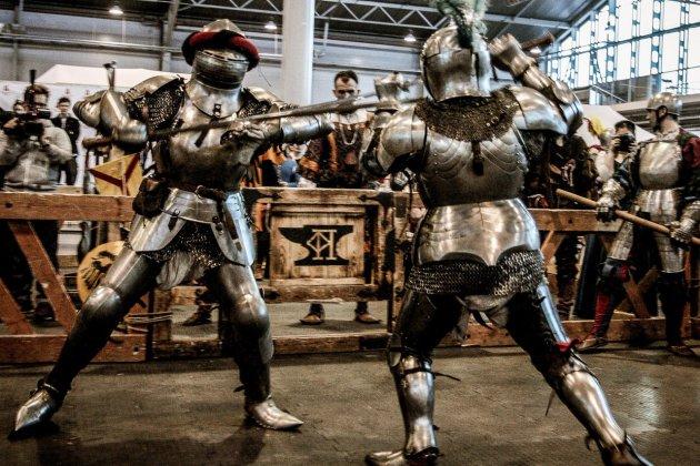 Рыцарские доспехи и традиционные ремесла на фестивале «Рекон»