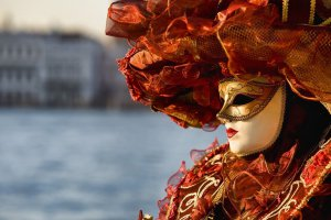 Выставка венецианских масок
