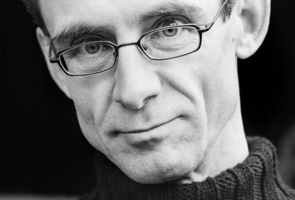 Чёткий взгляд на слово: 5 писателей  в очках - Фото №1