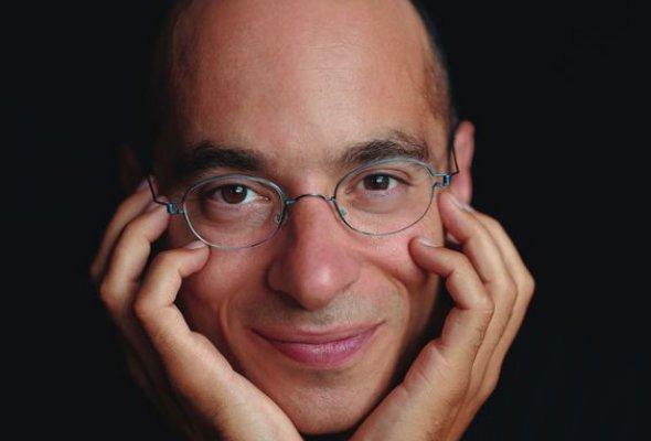 Чёткий взгляд на слово: 5 писателей  в очках - Фото №0