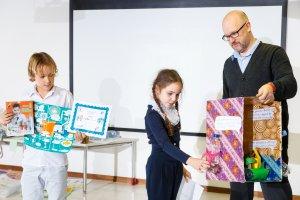 Как ребенку учиться на английском, если это не его родной язык