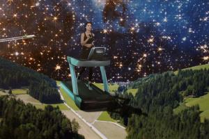 Популярная актриса Равшана Куркова снялась в рекламе сети фитнес-клубов X-Fit