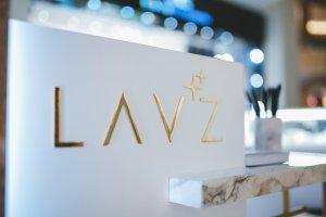 Lav`z – это британский ювелирный бренд, призванный сделать каждое украшение единственным в своем роде.
