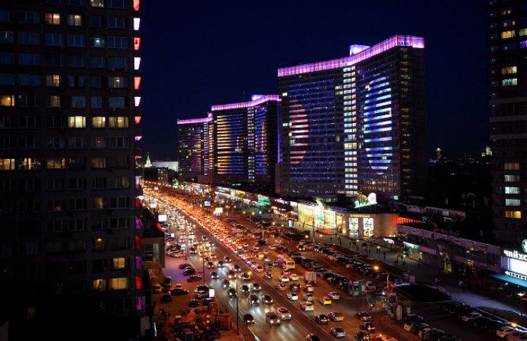 Космос сойдет на фасады московских зданий
