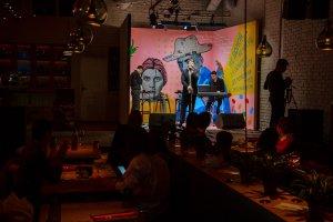 Марафон Stand-Up шоу в городском кафе «Здесь и Сейчас»