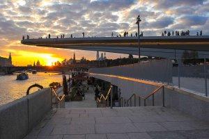 Парящий мост парка «Зарядье» может стать лучшим нарисованным мостом Европы