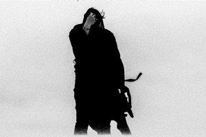Загадочный калифорнийский электронный артист-фантом ZHU впервые выступит в Москве - 14 июля на сцене ГлавClub Green Concert.