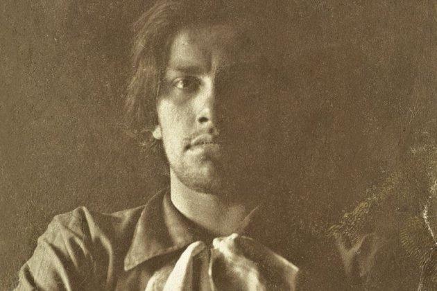 Не только поэт: Маяковский— художник, копирайтер, драматург и лектор