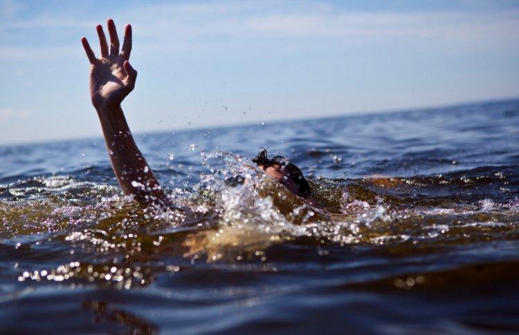 Москвичам велели брать в воду булавку и телефон