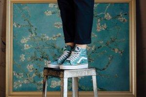 Надо брать: вещи из коллекции Vans & Van Gogh Museum