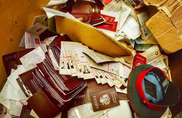 В Москве нашли заброшенный отдел МВД с кубометрами паспортов