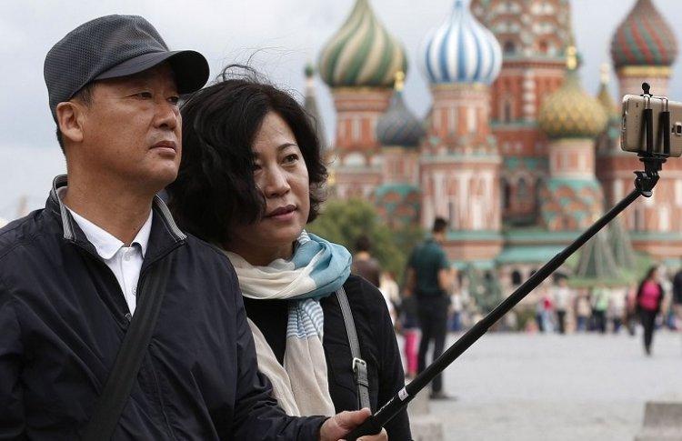 Почему русские не улыбаются: московские гиды о работе с туристами