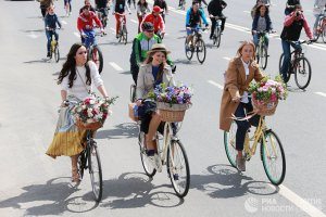 «Осенний велопарад» в Москве прошел при поддержке Дептранса и банка ВТБ