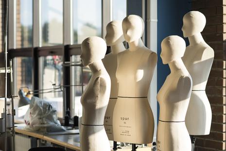 Мода – это профессия будущего. Почему стоит поощрять интерес ребенка к моде