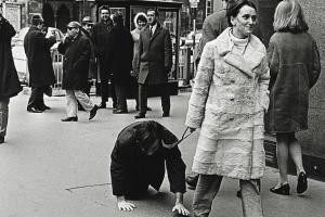 От советского быта до Dries van Noten: 7 ноябрьских лекций об искусстве, моде и литературе