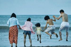 «Магазинные воришки». Кино о японских бедняках, победившее в Каннах