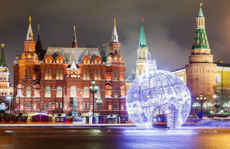 Россияне собираются праздновать Новый год в Москве и Пхукете