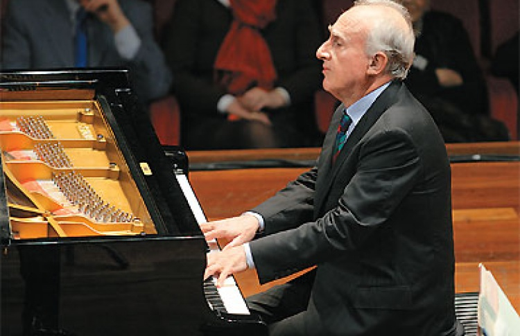Маурицио Поллини (Италия, фортепиано)