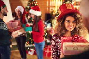 Где купить подарки: 15 идей рождественских презентов