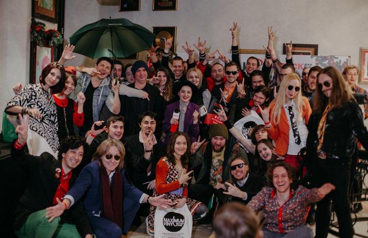 Более двух сотен участников сразились в Новогоднем QUIZ  отROCKFM