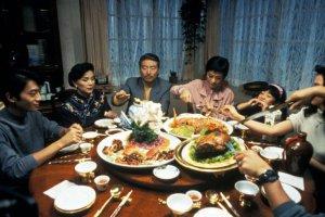 7 альтернативных застольных фильмов под Новый год