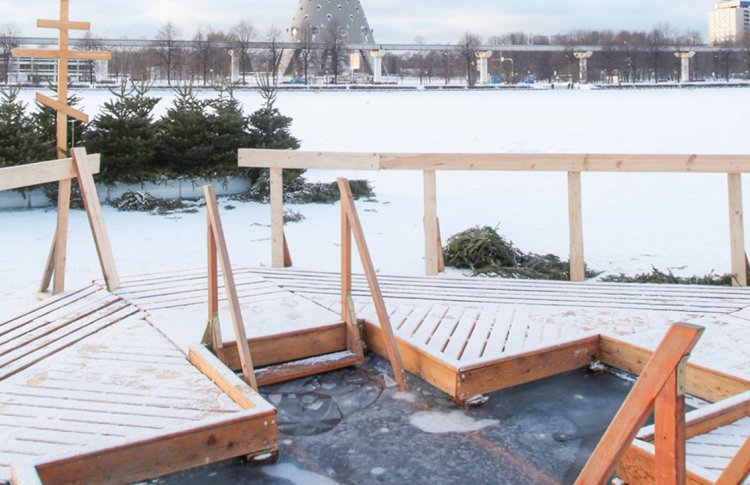 В Москве откроют 60 точек для крещенских купаний