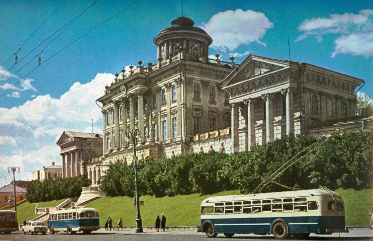 Российская государственная библиотека покажет свои недра москвичам