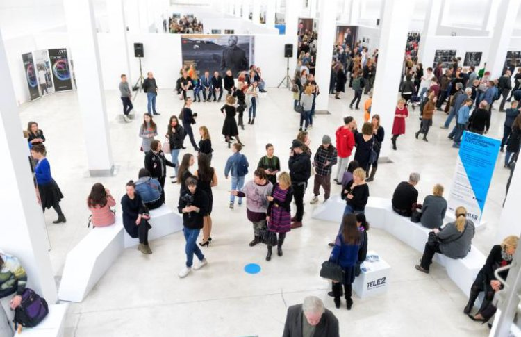 Биеннале для абонентов Tele2: арт-линия, мастер-классы и встреча с фотографом календаря Пирелли
