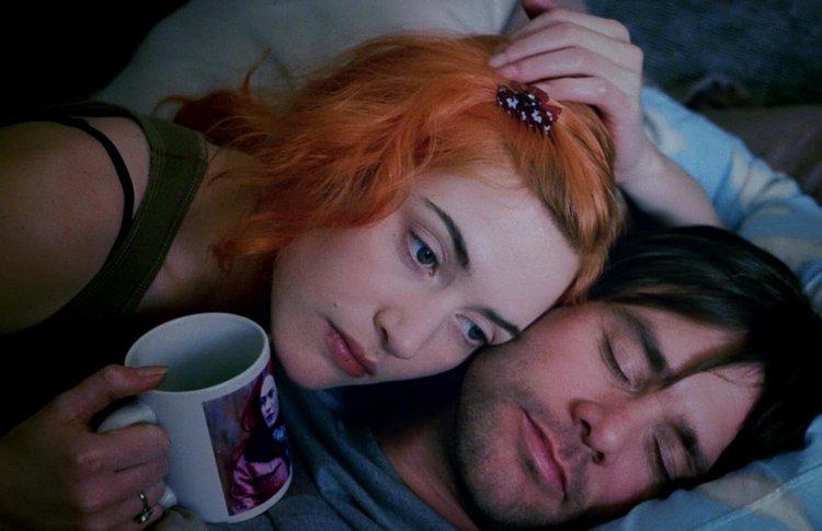 Одиночкам на заметку: 10 верных способов впечатлить при знакомстве, если верить кино и сериалам