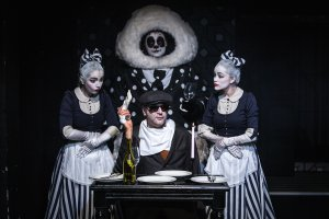 Спектакли «Золотой маски» покажут в клубах и музеях Москвы