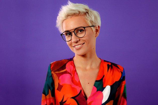 Елена Чирицкая, телеведущая, совладелица кафе завтраков: Ты что — не делаешь зарядку? Ха!