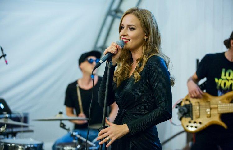 Петербургский проект Maria Majazz выпустил новый альбом «Витражи» на стыке рока и поп-джаза