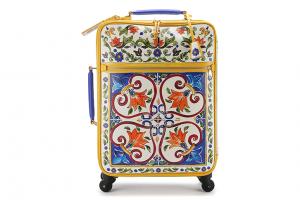 На колесиках: 7 очень красивых чемоданов