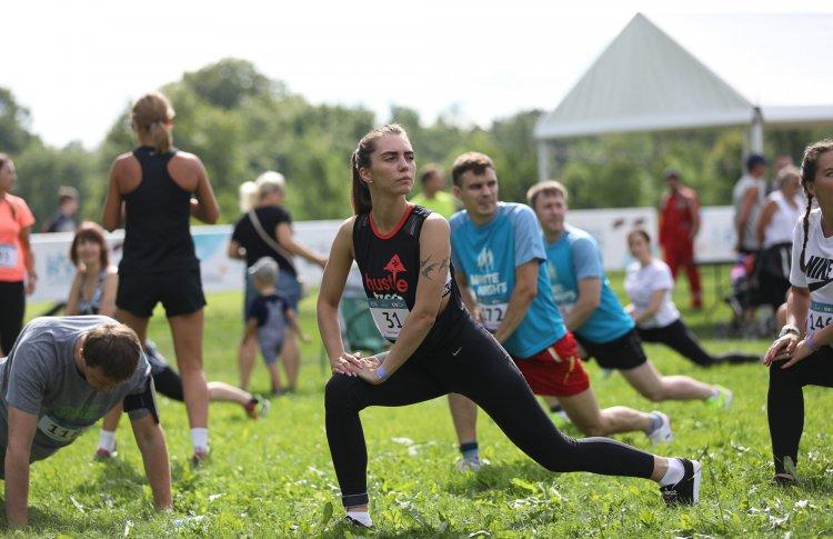 В четырех парках Москвы открыли тренировочные площадки для бегунов