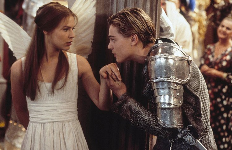 «Ромео + Джульетта» (Romeo + Juliet, 1996), реж. Баз Лурман