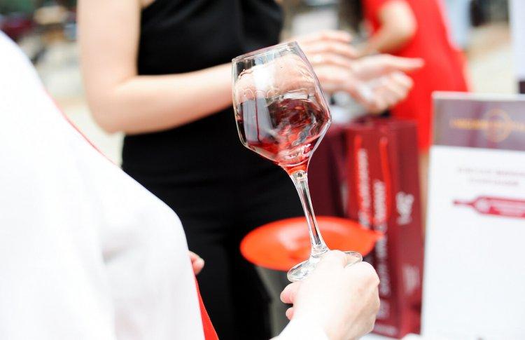 5 причин посетить винный салон Луки Марони