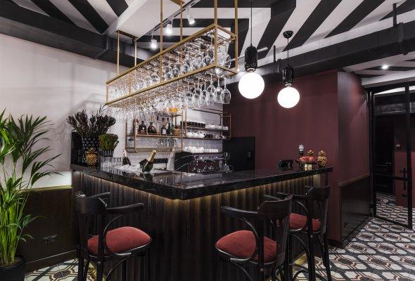 Rick's Bar & Bistro - Фото №2