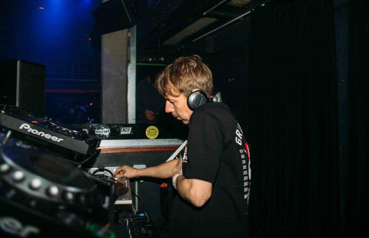 Selector Live: шоукейс Worldwide FM