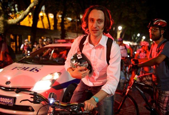 О ночных перфомансах, необычном рассвете и московской велоночи — рассказывает Сергей Никитин - Фото №0