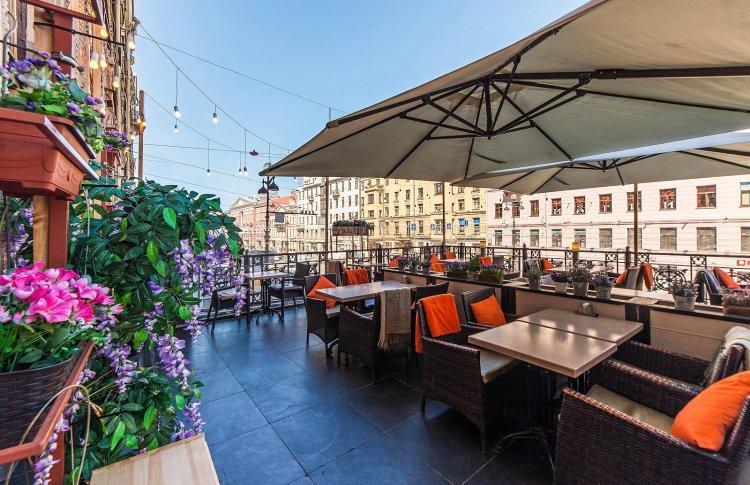 Терраса в самом сердце Северной столицы: ресторан Chateau Vintage