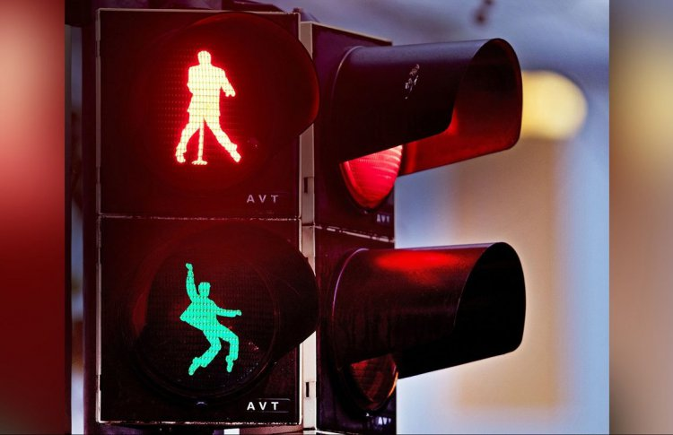 Танцующий светофор поставят у Цирка Никулина