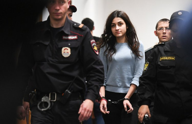 В Москве пройдут одиночные пикеты для спасения сестер Хачатурян